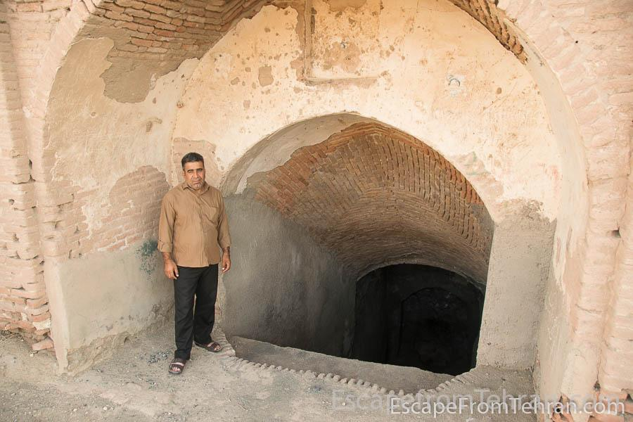 Parviz Zafaraniyeh in front of the abandoned ab anbar in the village of Zafaraniyeh