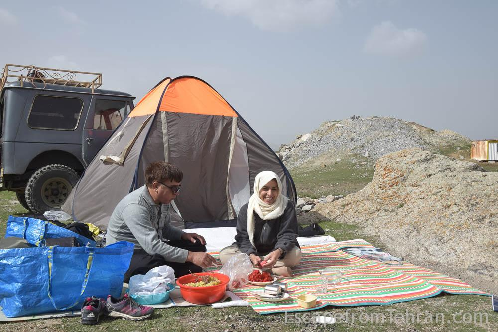 Iranian hospitality babak castle escapefromtehran com (10)